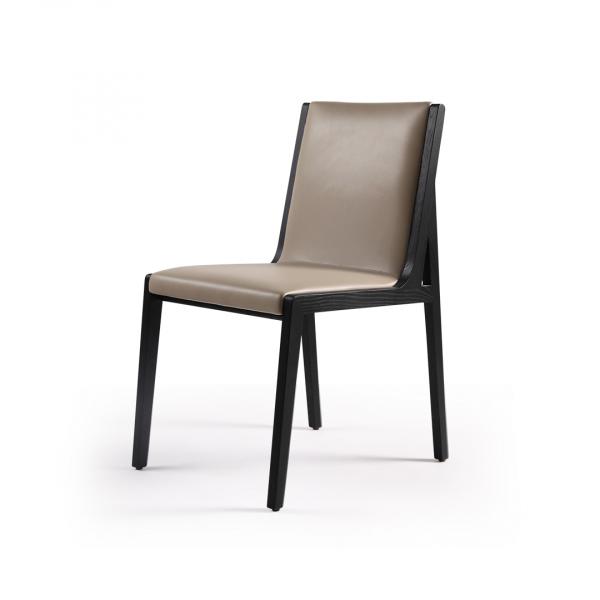 Обеденный стул из ясеня Momo